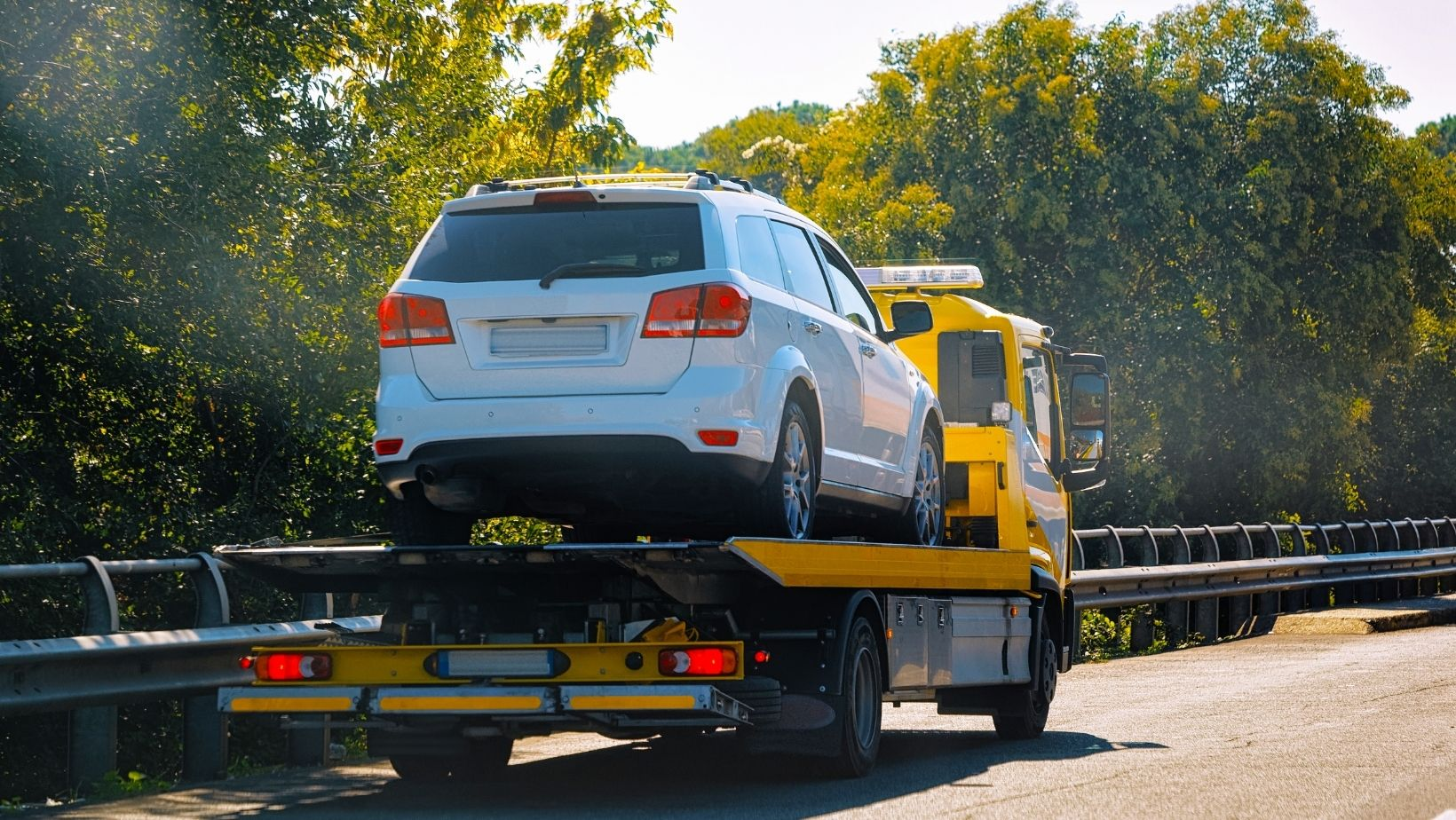 24-Hour Towing Service: Get Fast & Affordable Solutions